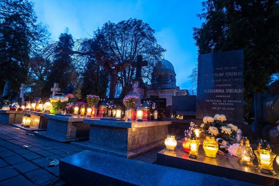 Prezydent Łodzi podjęła decyzję o zwrocie opłat za zajęcie pasów drogowych pod łódzkimi cmentarzami - Zdjęcie główne