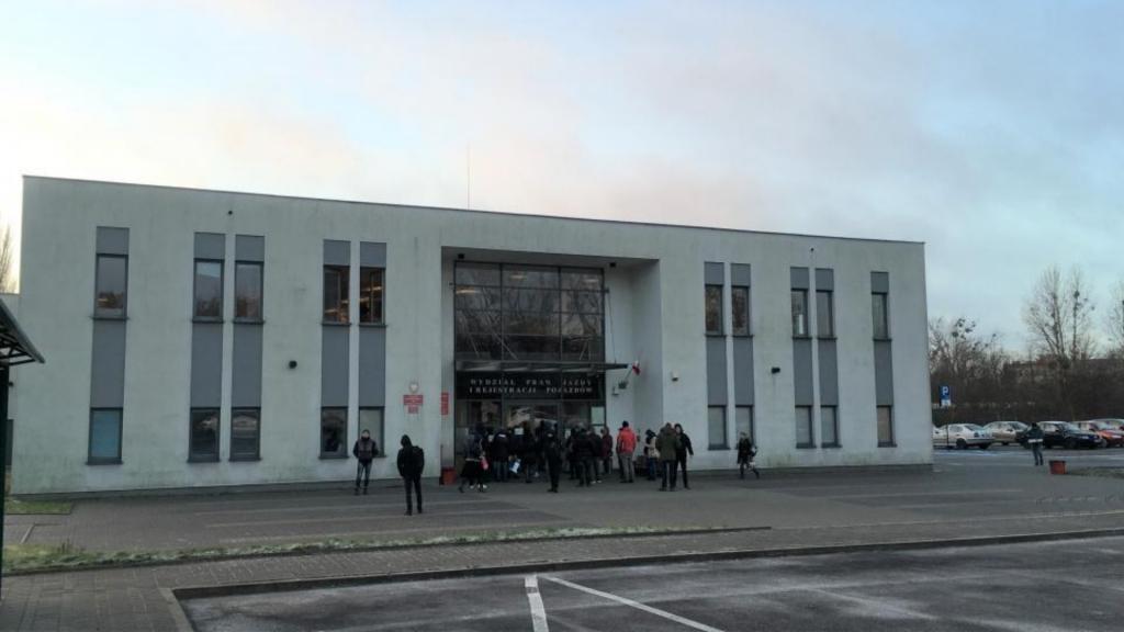 Na rejestrację nowego samochodu trzeba czekać w Łodzi nawet trzy tygodnie - Zdjęcie główne