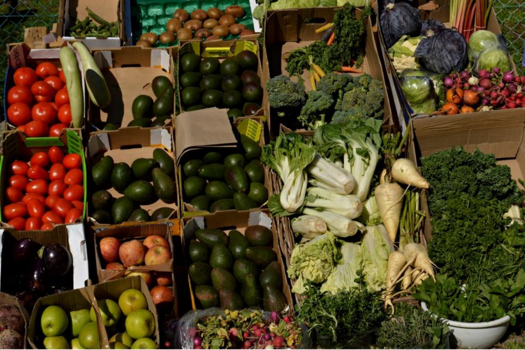 Łódzcy sprzedawcy z pomysłem – teraz stojąc w korku można zrobić zakupy w warzywniaku! - Zdjęcie główne