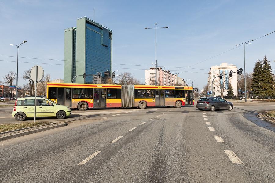 MPK Łódź. Od 1 września zmiany w rozkładach jazdy oraz trasach autobusów i tramwajów - Zdjęcie główne