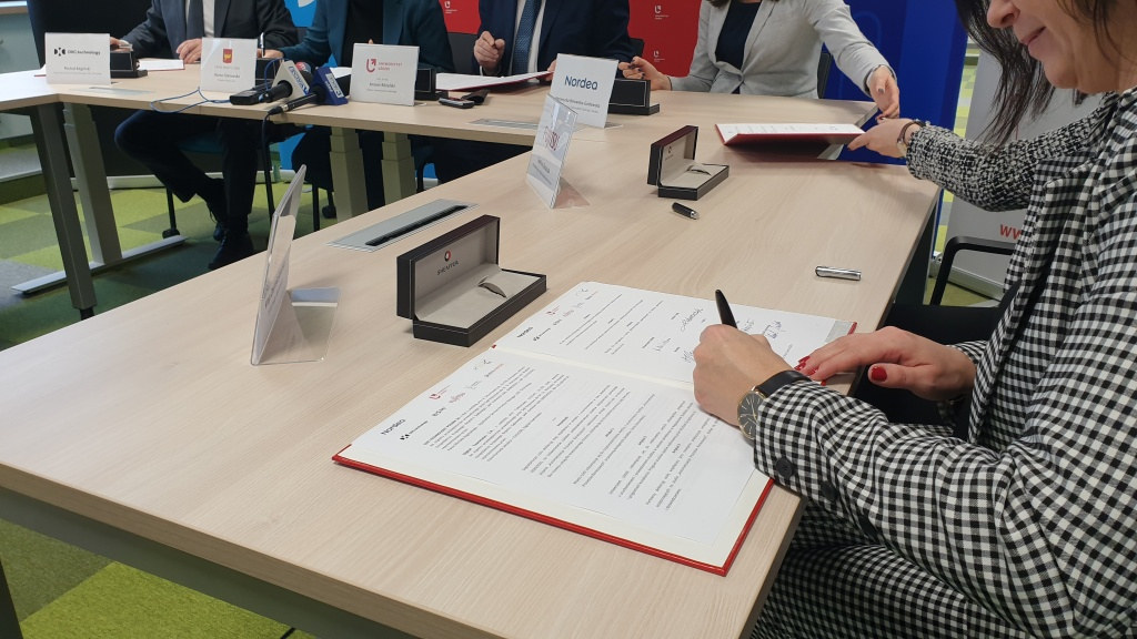 Nowy biznesowy kierunek na Uniwersytecie Łódzkim! [WIDEO | ZDJĘCIA] - Zdjęcie główne