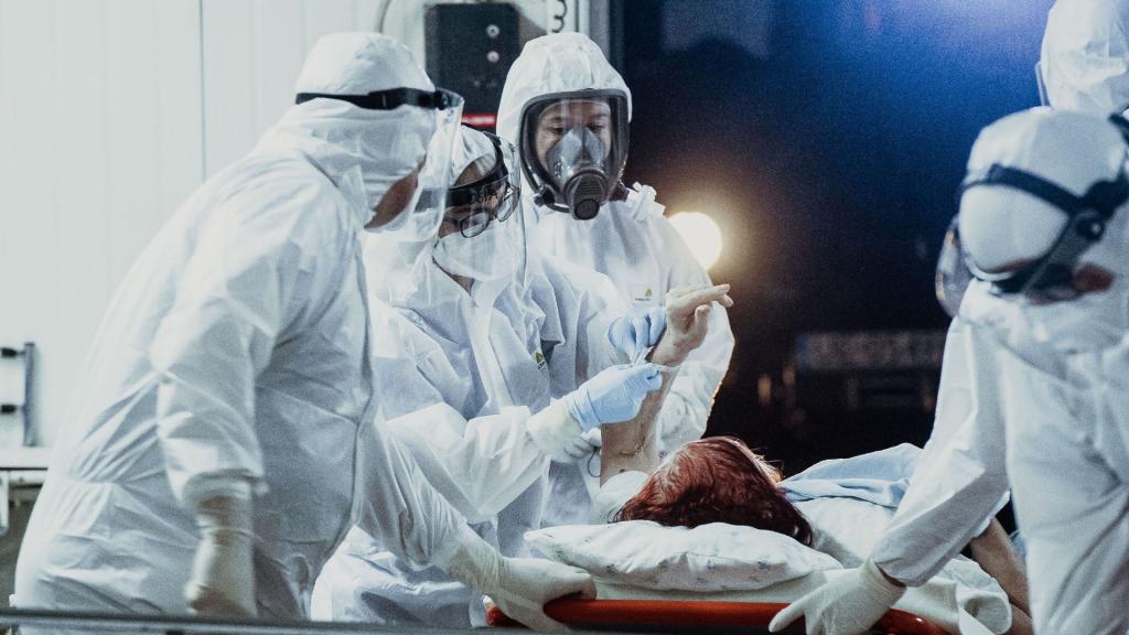 Rekordowy przyrost zakażeń koronawirusem w Polsce. 809 przypadków. Łódzkie też wysoko [AKTUALNE DANE] - Zdjęcie główne