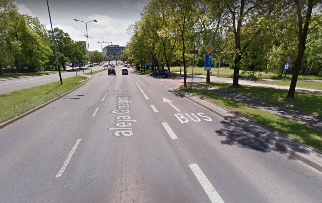 Z łódzkich ulic zniknie uciążliwy buspas. Mniej pomaga autobusom, duże straty dla kierowców - Zdjęcie główne