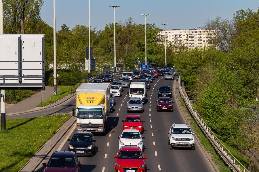 Korki Łódź. Sprawdź, co dzieje się na łódzkich drogach [06.09.2021] - Zdjęcie główne