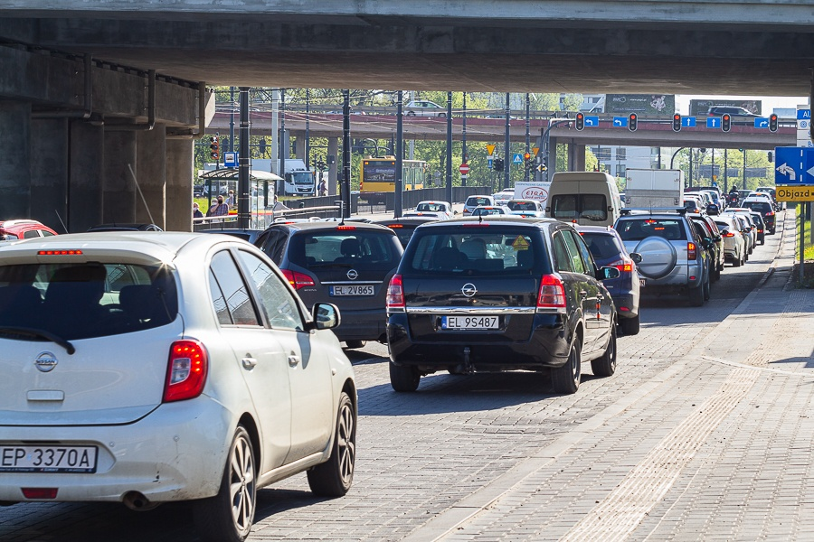 Korki Łódź. Sprawdź, co dzieje się na łódzkich drogach [31.08.2021] - Zdjęcie główne