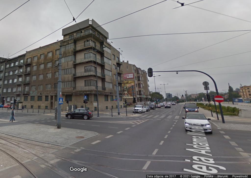 Niszczejąca kamienica na rogu Mickiewicza i Kościuszki w Łodzi zostanie zburzona? - Zdjęcie główne