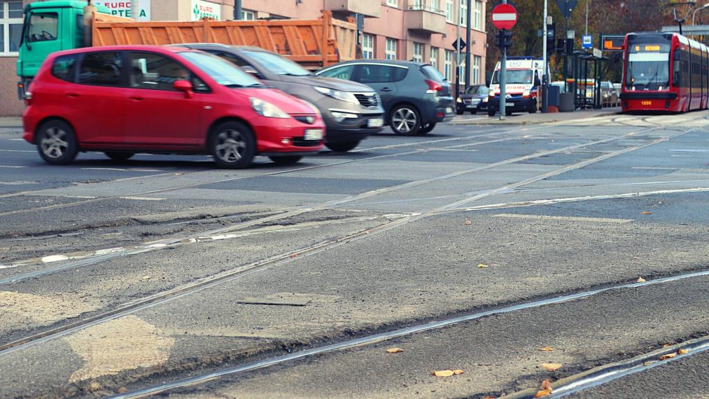 Uwaga! Rozpoczyna się remont torowiska na jednym z kluczowych skrzyżowań w Łodzi [MAPY   INFORMATOR] - Zdjęcie główne
