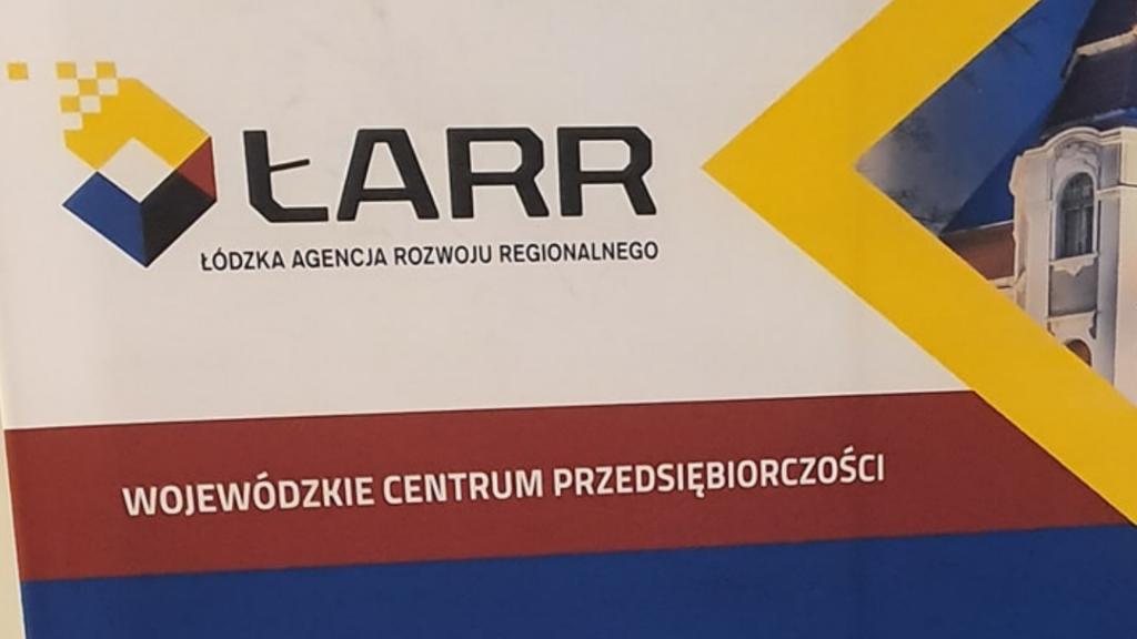 Przez koronowirusa urzędy w Łódzkiem wprowadzają ograniczenia w przyjęciach petentów. Część z nich przeszła na pracę on-line - Zdjęcie główne