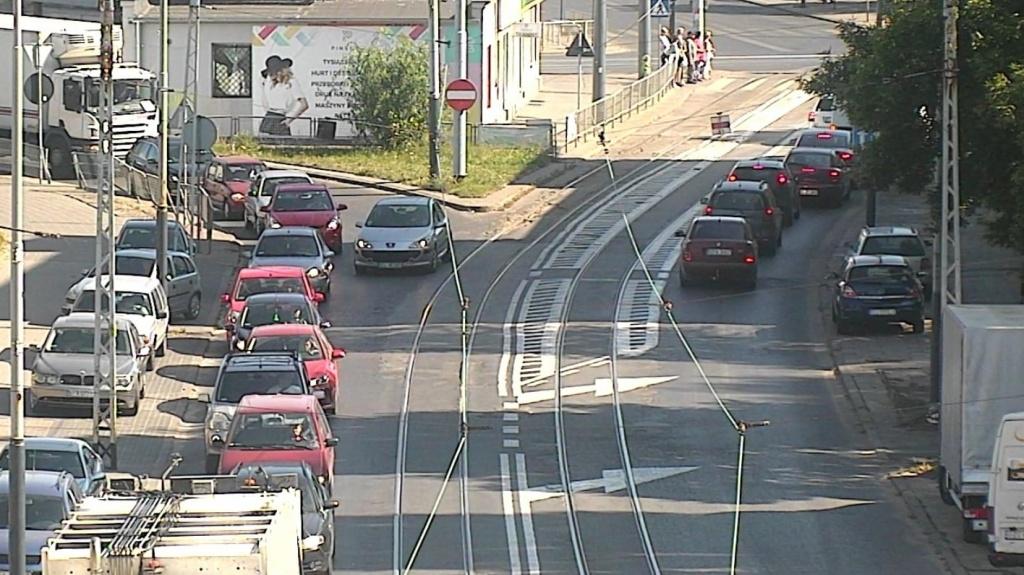 Łódź miastem buspasów! Kierowcy się denerwują, ale ZDiT już planuje kolejne ułatwienia dla MPK - Zdjęcie główne