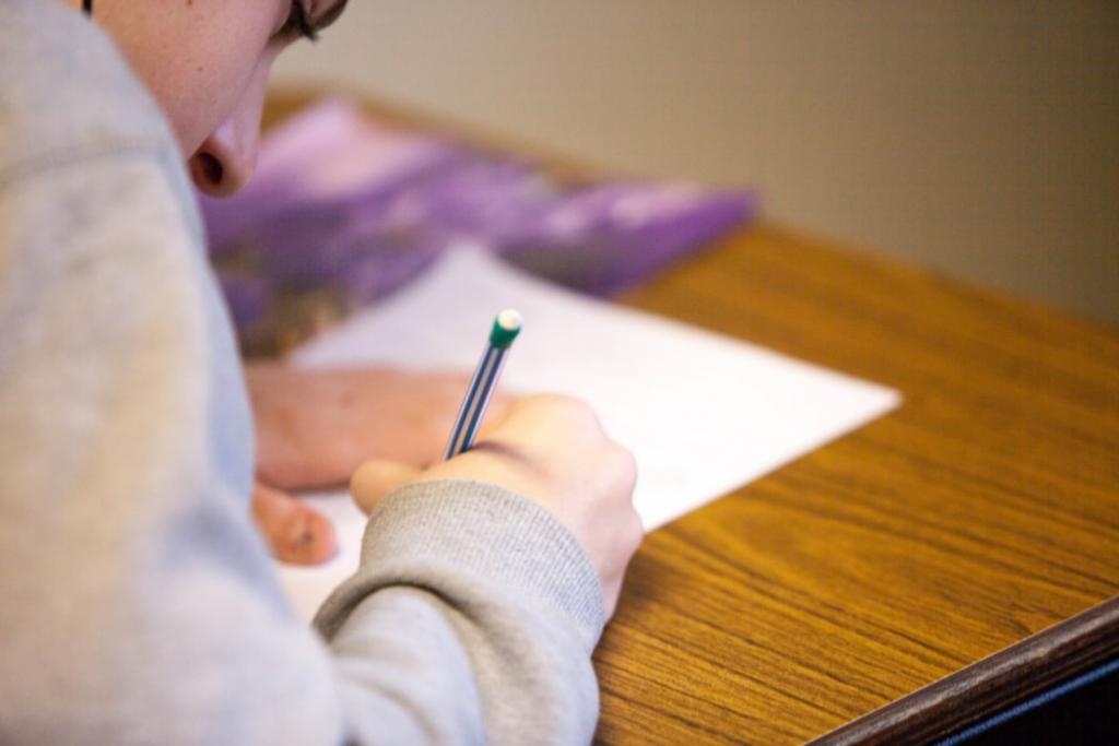Jak sprawdziły się działania antycovidowe w szkołach? Mija miesiąc od początku semestru - Zdjęcie główne